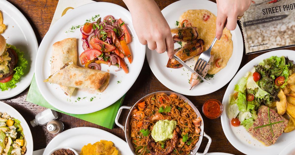 Por que investir em fotos profissionais? fotografia flat lay de alimentos para delivery de restaurantes